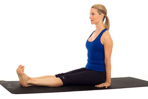 3 позы из йоги, которые помогут снять напряжение в ногах